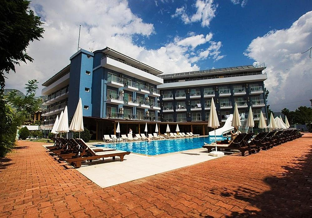Почивка в MONNA ROZA BEACH RESORT