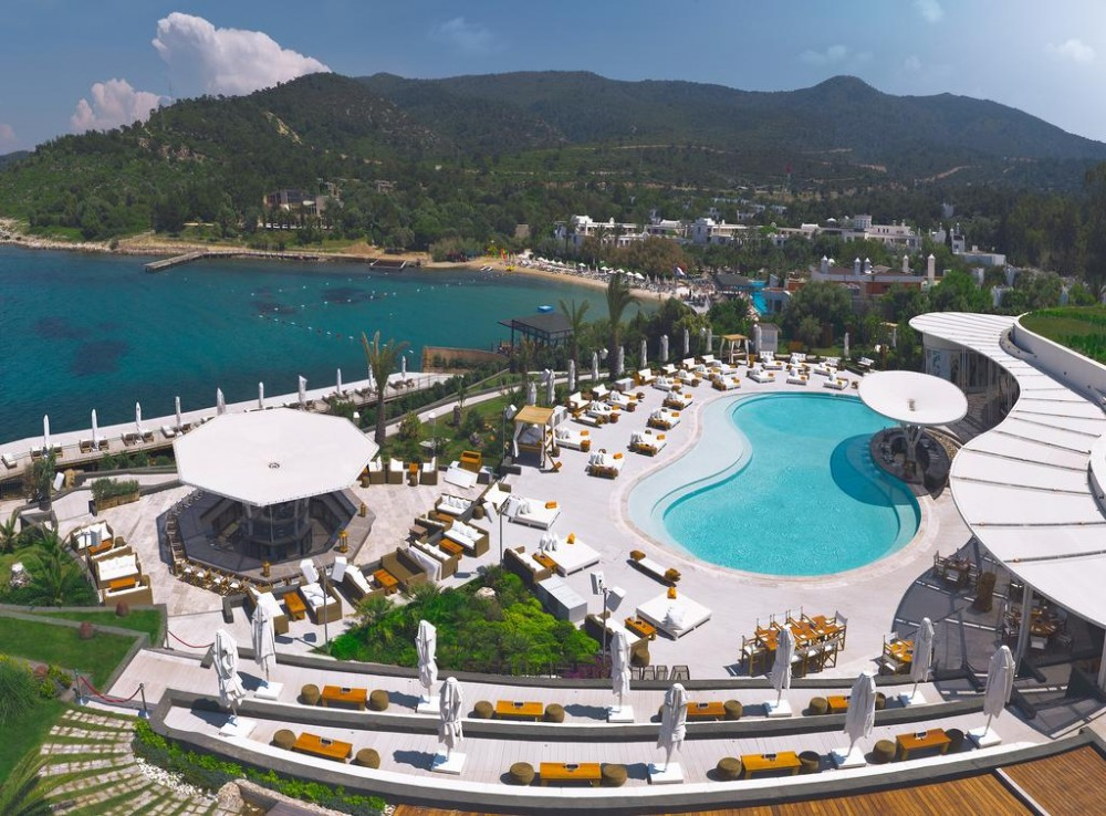 Почивка в NIKKI BEACH RESORT AND SPA