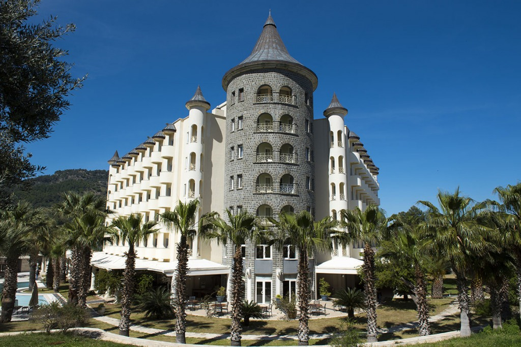 Почивка в CASTLE  RESORT & SPA HOTEL