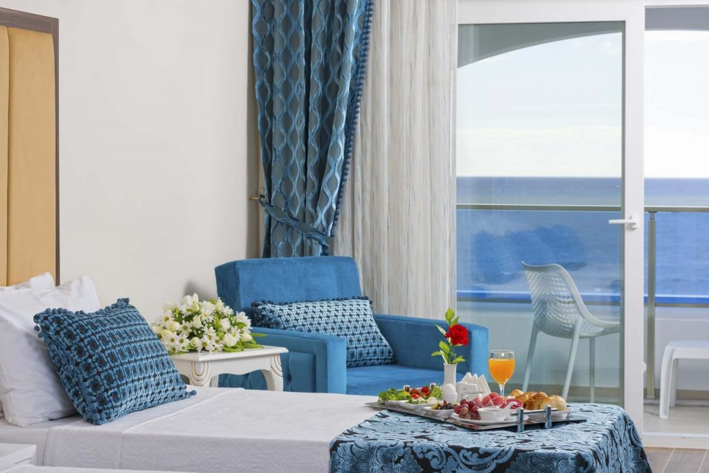Почивка в AZUR RESORT & SPA
