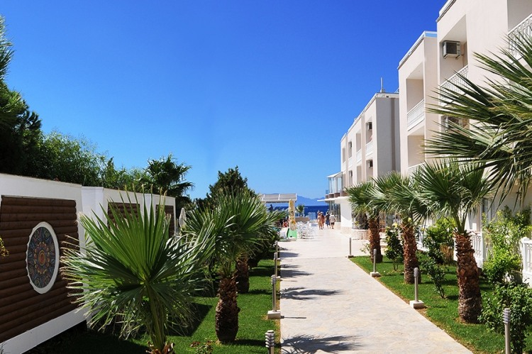 Почивка в DOGAN BEACH RESORT & SPA